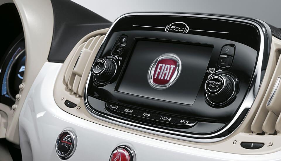Fiat 500 multimedia radio technology